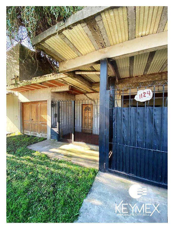 Foto Casa en Venta en  Los Hornos,  La Plata  CASA + DPTO  en  venta- 148 E/ 54 Y 55 - Los Hornos-La  Plata