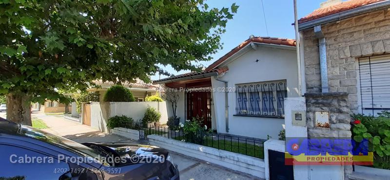 Foto Casa en Venta en  Lomas de Zamora Este,  Lomas De Zamora  ALBERTI 385