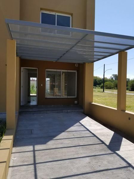 Foto Casa en Venta en  Camino a San Carlos,  Cordoba  Av. Vélez Sarsfield al 5600