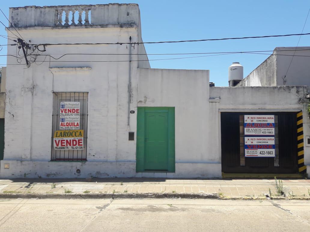 Foto Casa en Venta en  Concordia ,  Entre Rios  Pirovano al 200