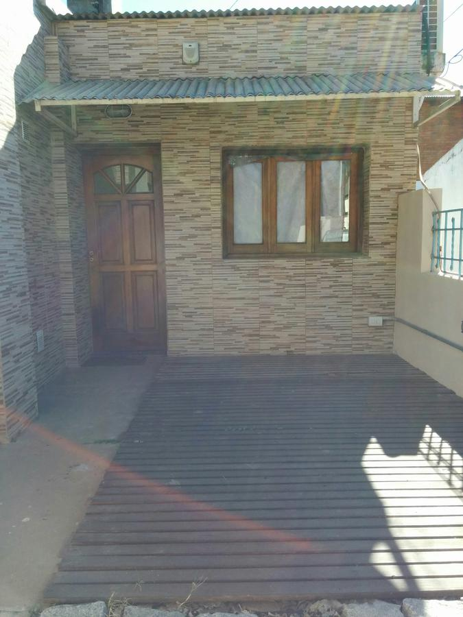 Foto Casa en Alquiler en  Funes ,  Santa Fe  Funes
