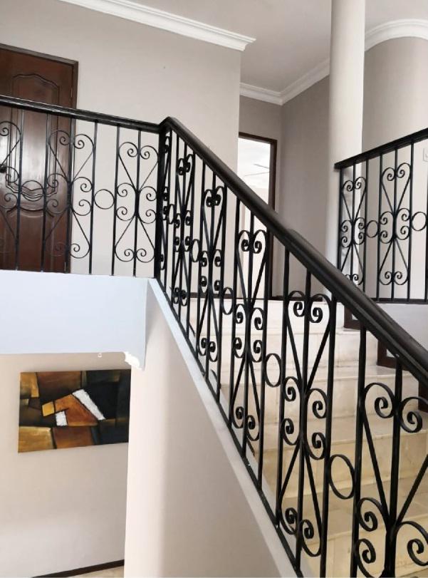 Foto Casa en Venta en  Samborondón ,  Guayas  VENDO AMPLIA VILLA   VIA SAMBORONDON PRIMEROS KILOMETROS