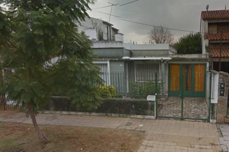 Foto Casa en Venta en  Haedo Norte,  Haedo  Directorio 1263