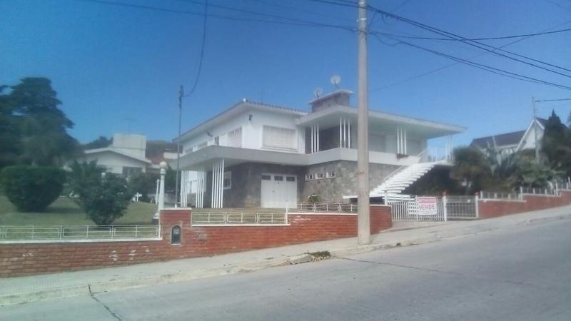 Foto Casa en Venta en  Estacion del Carmen,  La Falda  Sarmiento 821 Esq Pte Illia