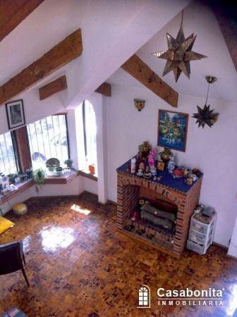 Foto Casa en Venta en  Fuentes de Tepepan,  Tlalpan  Casa grande con jardin en Privada al sur en Tepepan
