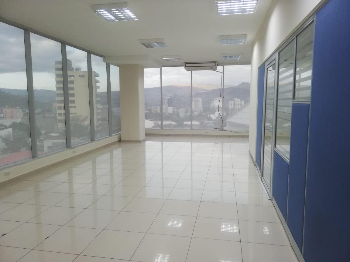 Foto Oficina en Renta en  San Carlos,  Tegucigalpa  Oficina Comercial en Piso 8, Colonia San Carlos, Tegucigalpa