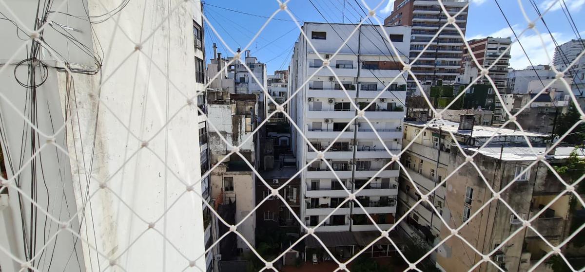 Foto Departamento en Venta en  Recoleta ,  Capital Federal  Arenales al 1979  8  C