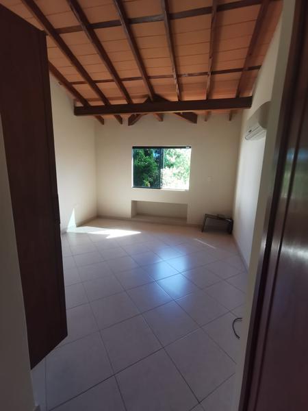 Foto Casa en Alquiler en  Ycua Sati,  Santisima Trinidad  Zona Ycua Sati