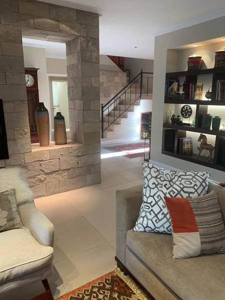 Foto Casa en Venta en  Acassuso,  San Isidro  Almafuerte al 1000
