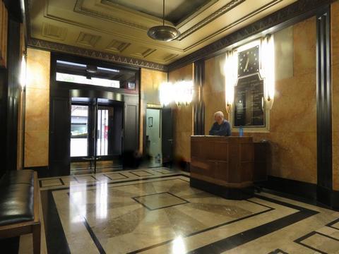 Foto Departamento en Alquiler temporario en  Centro (Capital Federal) ,  Capital Federal  Diagonal Roque Saenz Peña al 800