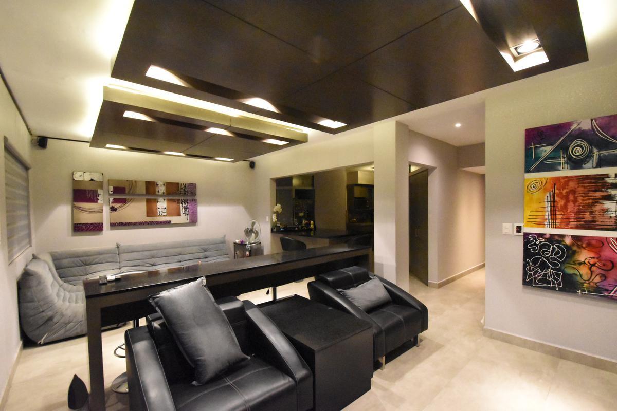 Foto Casa en Venta en  Cumbres Providencia,  Monterrey  VENTA CASA CUMBRES PROVIDENCIA