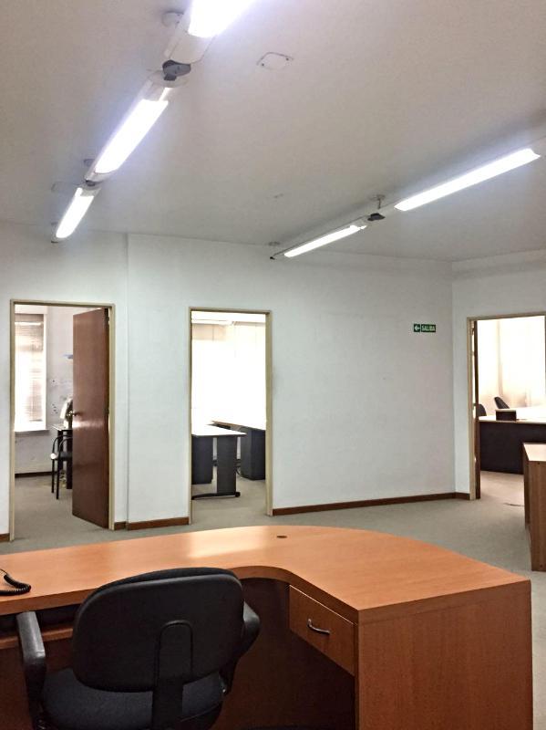 Foto Oficina en Alquiler en  Microcentro,  Centro  Presidente Roca al 600