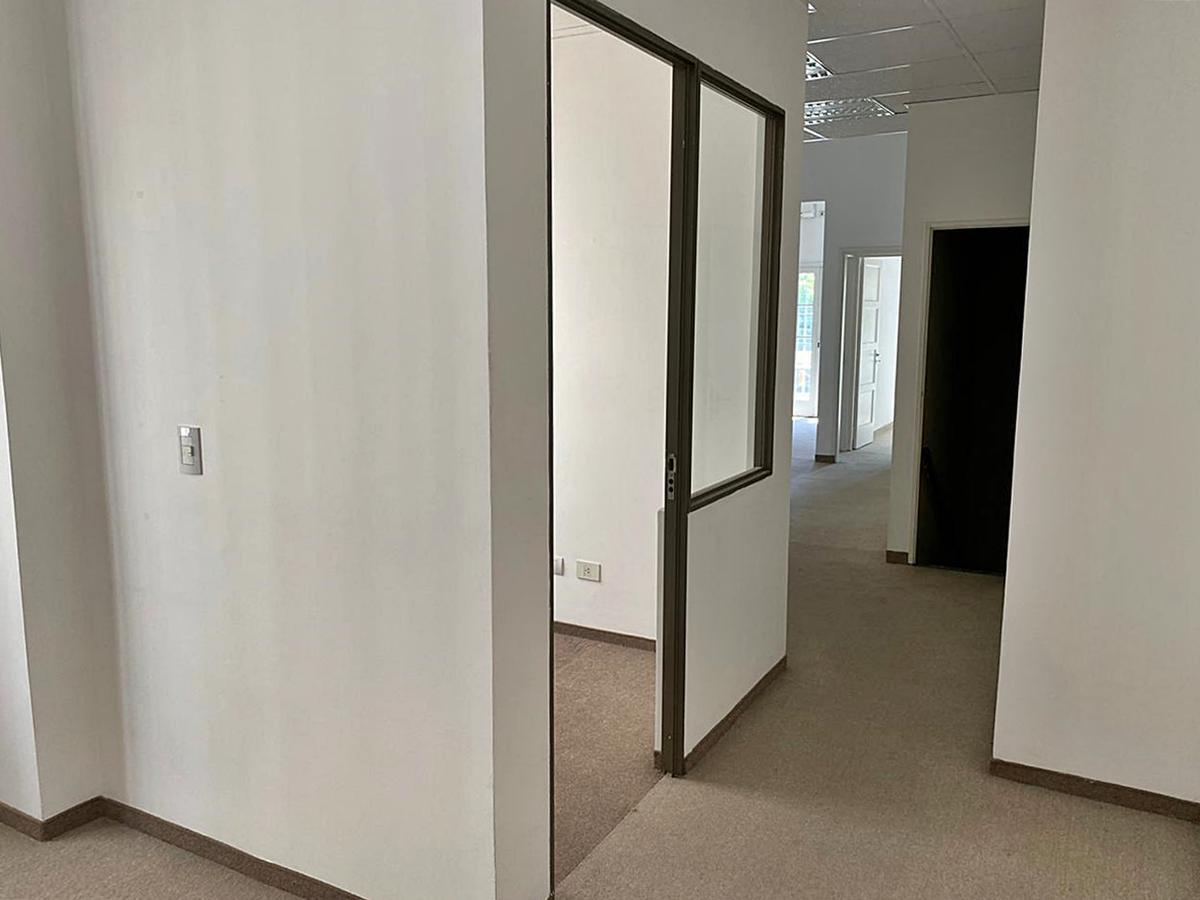 Foto Oficina en Alquiler en  Nuñez ,  Capital Federal  Av Cabildo al 3600
