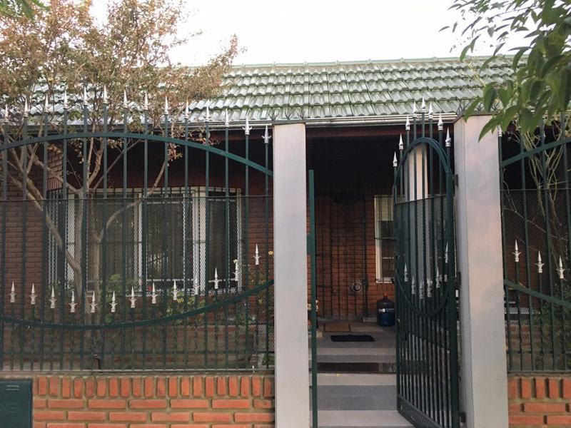 Foto Casa en Venta en  Monte Grande,  Esteban Echeverria  J.P. Ferraroti al 300