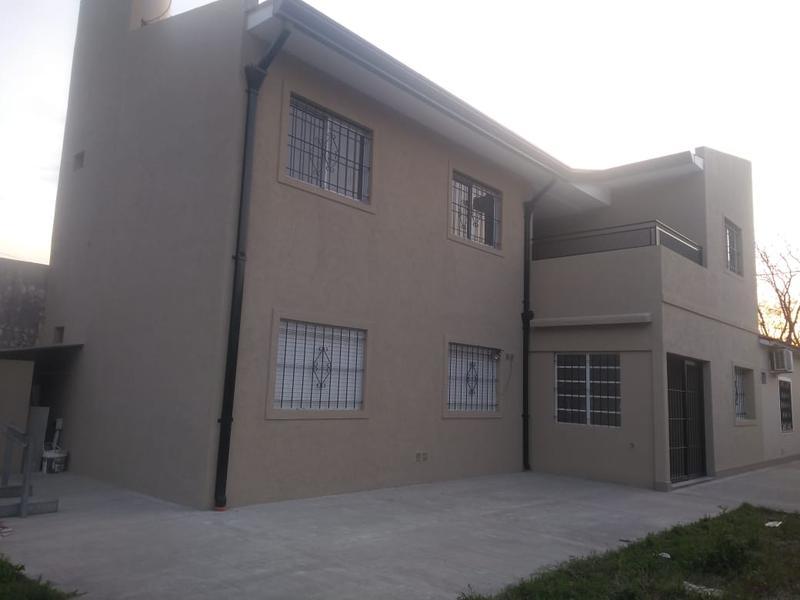 Foto Departamento en Alquiler en  Moreno,  Moreno  Dpto. Nº 4 en Planta Alta - Ginés de la quintana al 200 - Moreno - Lado norte
