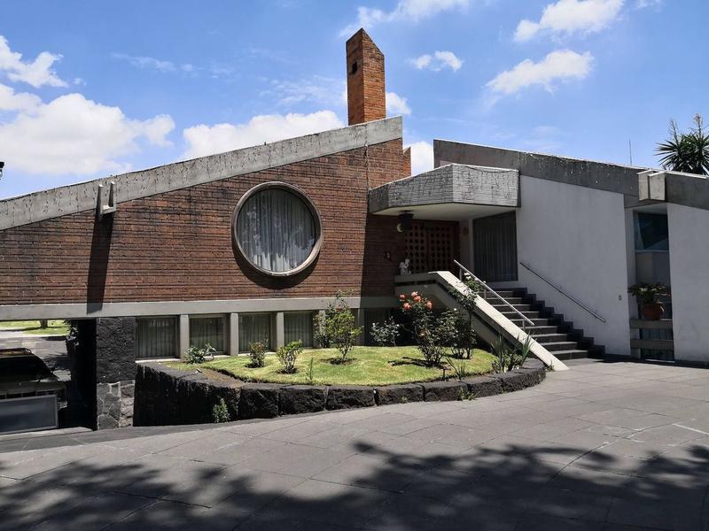 Foto Casa en condominio en Venta en  Ciprés,  Toluca  BONITA Y AMPLIA CASA EN RENTA Y VENTA POR PASEO COLON