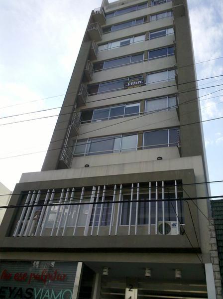"Foto Oficina en Alquiler |  en  Banfield Este,  Banfield  Cochabamba 246 2º ""D"""