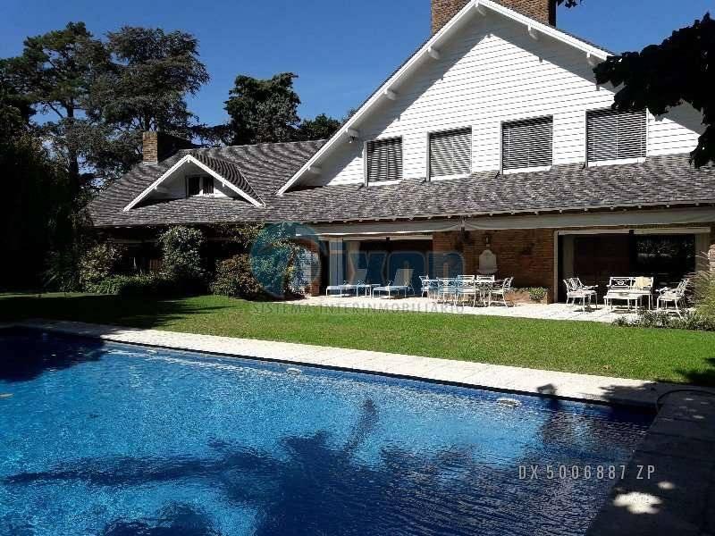 Foto Casa en Venta en  Acassuso,  San Isidro  Peru al 1100