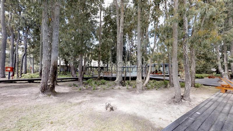 Foto Terreno en Venta en  Solanas,  Punta Ballena  Excelente Oportunidad de Lote Frente a la Laguna Cristal