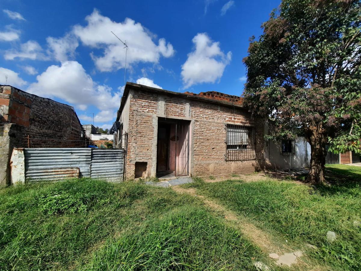 Foto Casa en Venta |  en  Merlo ,  G.B.A. Zona Oeste  SALAS al 3000
