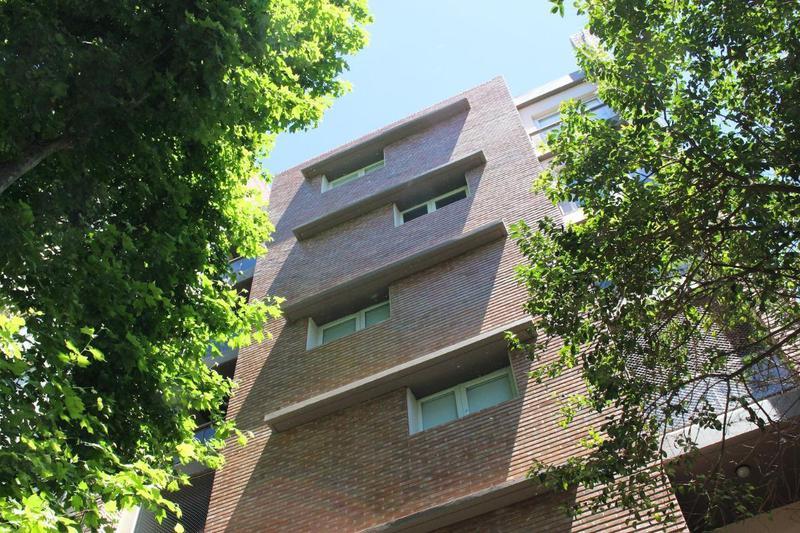 Foto Local en Venta en  Centro,  Rosario  Santiago 1036