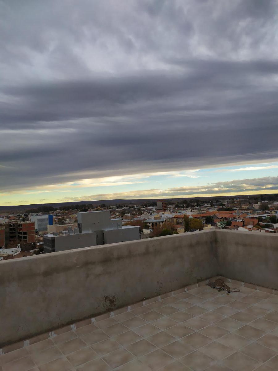 Foto Departamento en Venta en  Capital ,  Neuquen  Roca y Santamaria