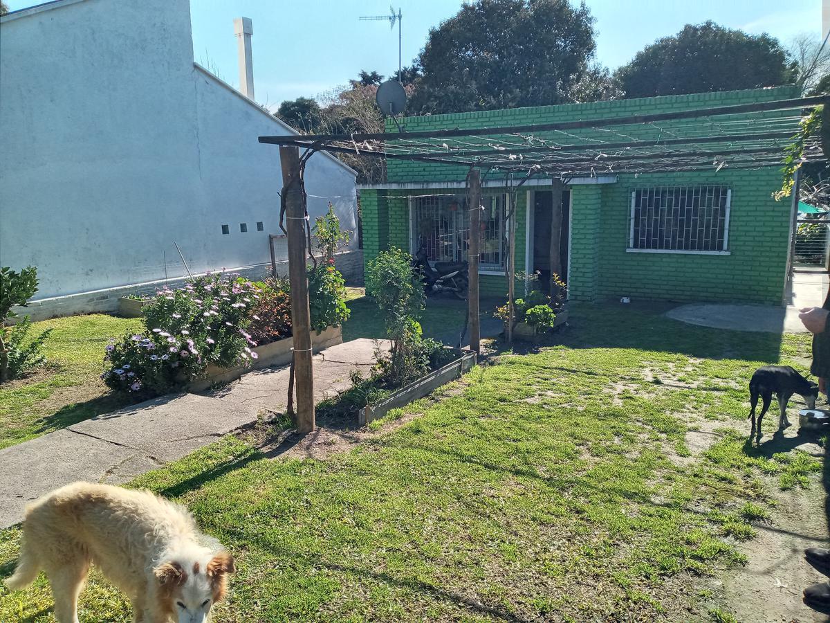 Foto Casa en Venta en  Colonia del Sacramento ,  Colonia  CALLE LUIS MORQUIO al 100