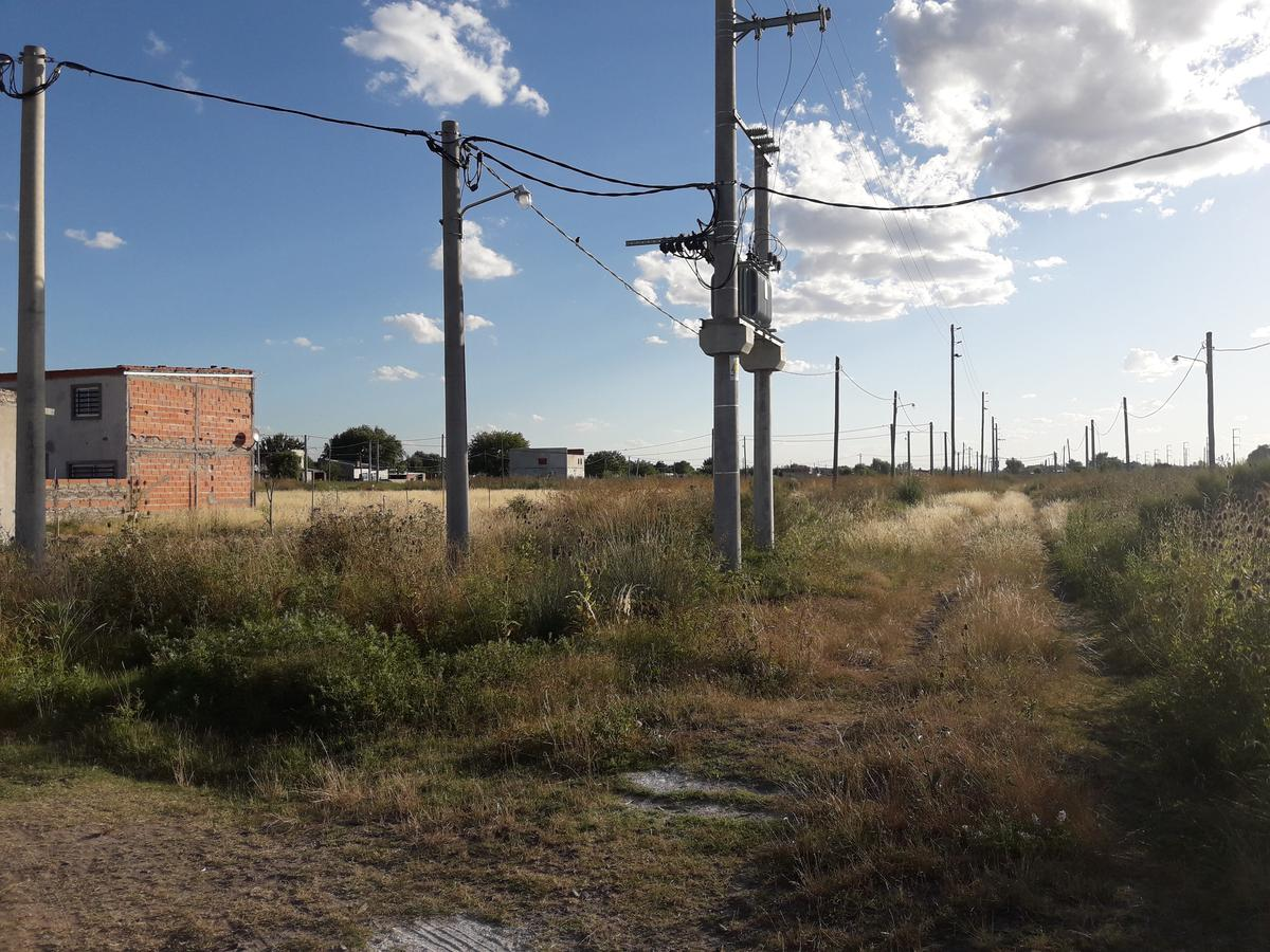 Foto Terreno en Venta en  Melchor Romero,  La Plata  al 500