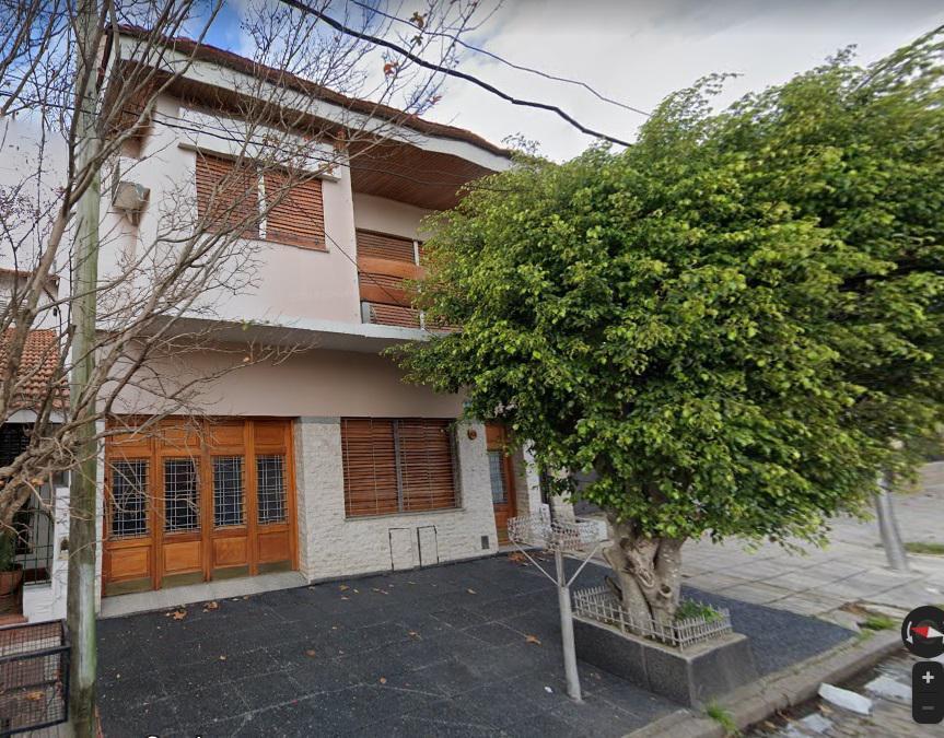 Foto Casa en Venta en  Remedios De Escalada,  Lanus  Manuel Castro al 700