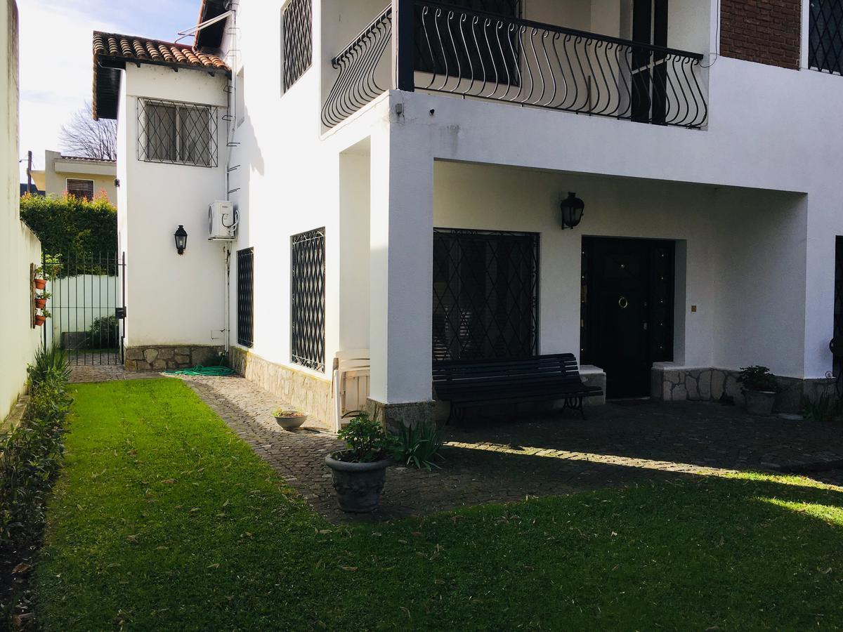 Foto Casa en Venta en  Acas.-Libert./Solis,  Acassuso  Fernández Espiro N° al 400