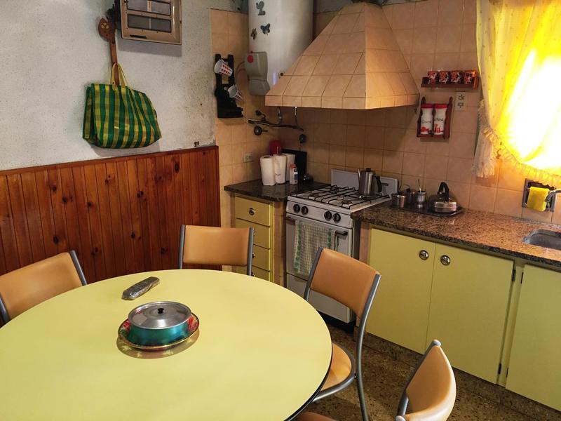 Foto Casa en Venta en  Los Hornos,  La Plata   59 entre 140 y 141