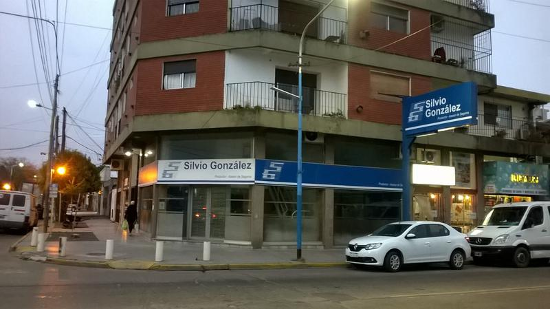 Foto Local en Venta | Alquiler en  Esc.-Centro,  Belen De Escobar  25 de Mayo y Mitre
