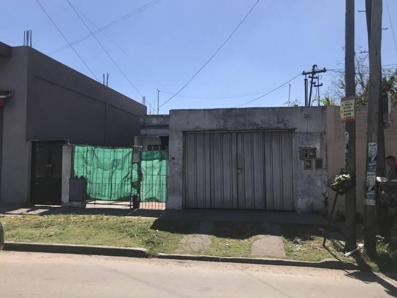 Foto Casa en Venta en  Quilmes Oeste,  Quilmes  Mosconi nº 108 e/ La Rioja y Catamarca