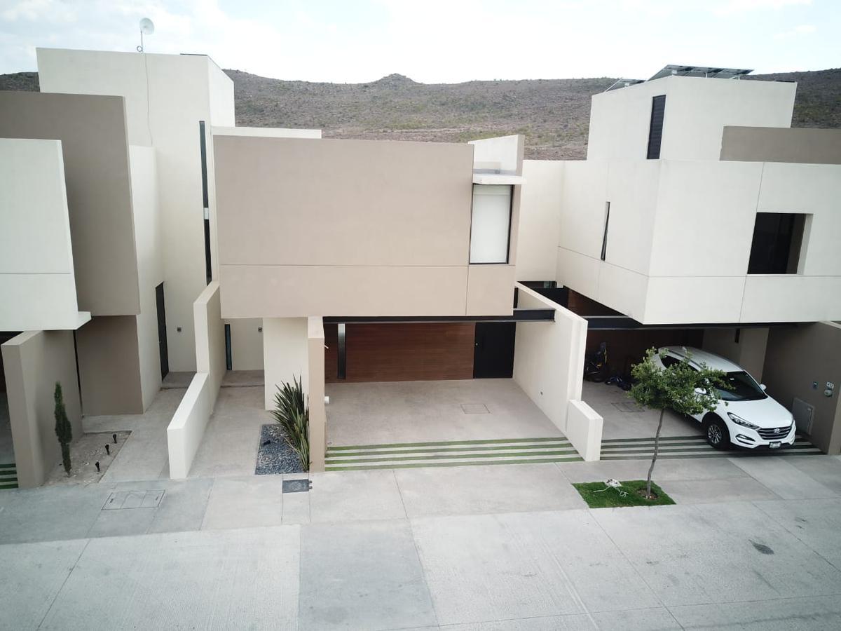 Foto Casa en Venta en  San Luis Potosí ,  San luis Potosí  CASA EN VENTA EN VILLAS DEL MARQUEZ, SAN LUIS POTOSI