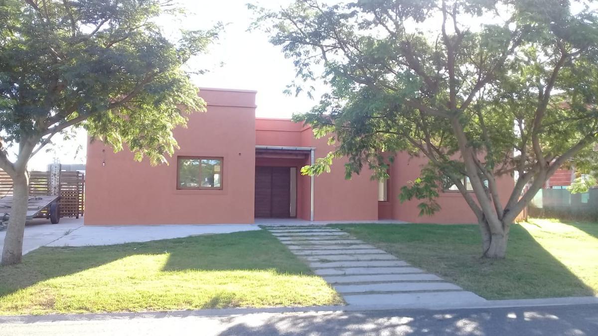 Foto Casa en Venta en  El Canton,  Countries/B.Cerrado (Escobar)  Islas al 100