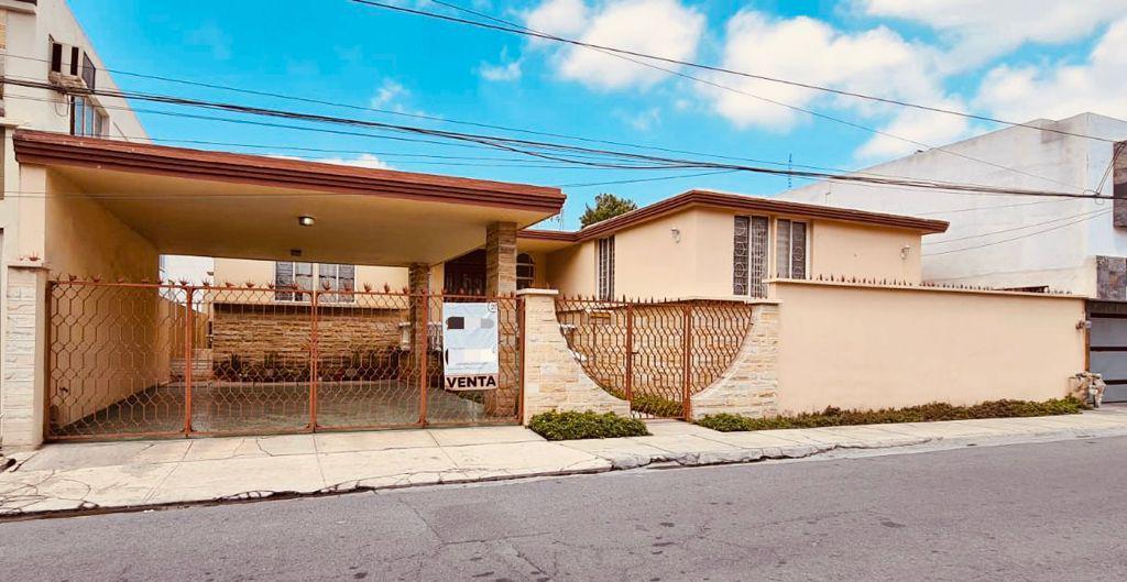 Foto Casa en Venta en  Monterrey ,  Nuevo León  VENTA CASA CUMBRES 2DO SECTOR