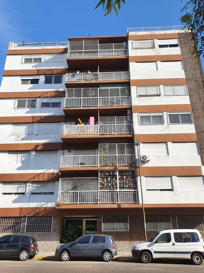 Foto Departamento en Venta en  Villa Saenz Peña,  Tres De Febrero  Av Gral Paz 2852