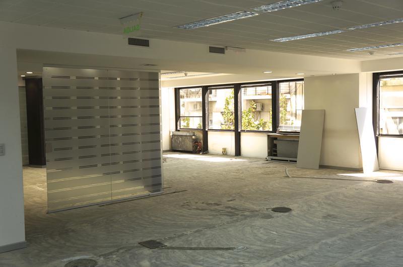 Foto Oficina en Alquiler en  Retiro,  Centro (Capital Federal)  cerrito al 1200
