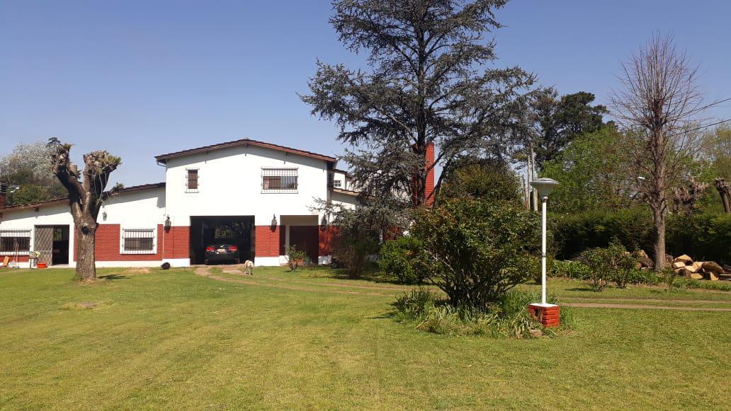 Foto Casa en Venta en  Los Mirasoles,  Countries/B.Cerrado (Pilar)  Oruro al 300