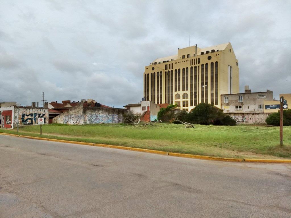 Foto Terreno en Venta en  San Bernardo Del Tuyu ,  Costa Atlantica  Cinco lotes en block, 1409 m2