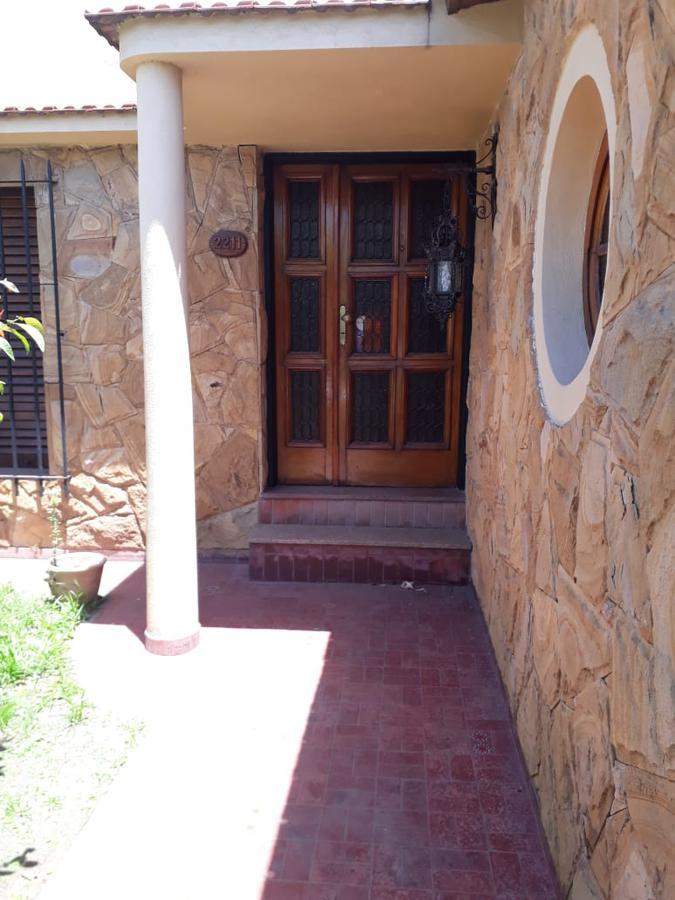 Foto Casa en Venta en  Sarandi,  Avellaneda  Pasaje Riaño 2211