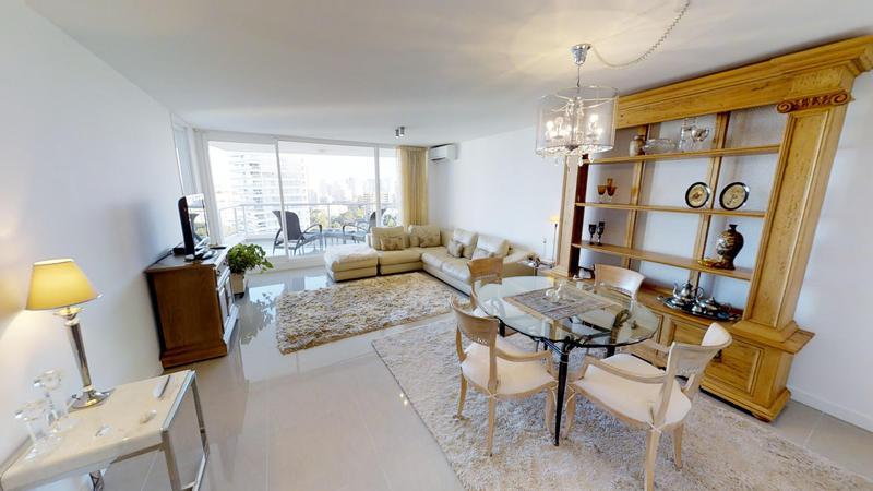Foto Departamento en Venta en  Playa Brava,  Punta del Este          Espectacular apartamento de  3 suites en ONE