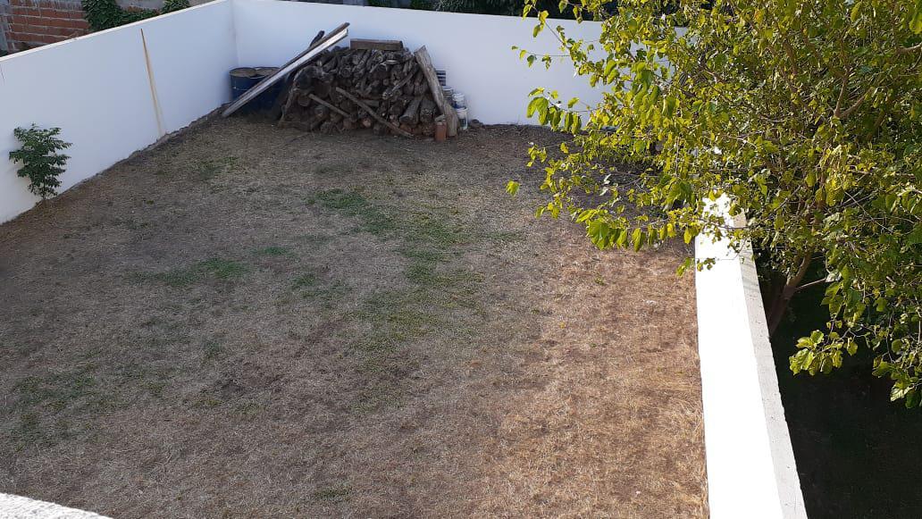 Foto PH en Venta en  Los Hornos,  La Plata  68 e/ 133 y 134