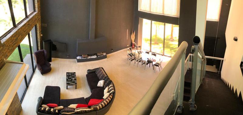 Foto Casa en Venta en  El Lauquen,  Countries/B.Cerrado (E. Echeverría)  Casa estilo minimalista en el Lauquen