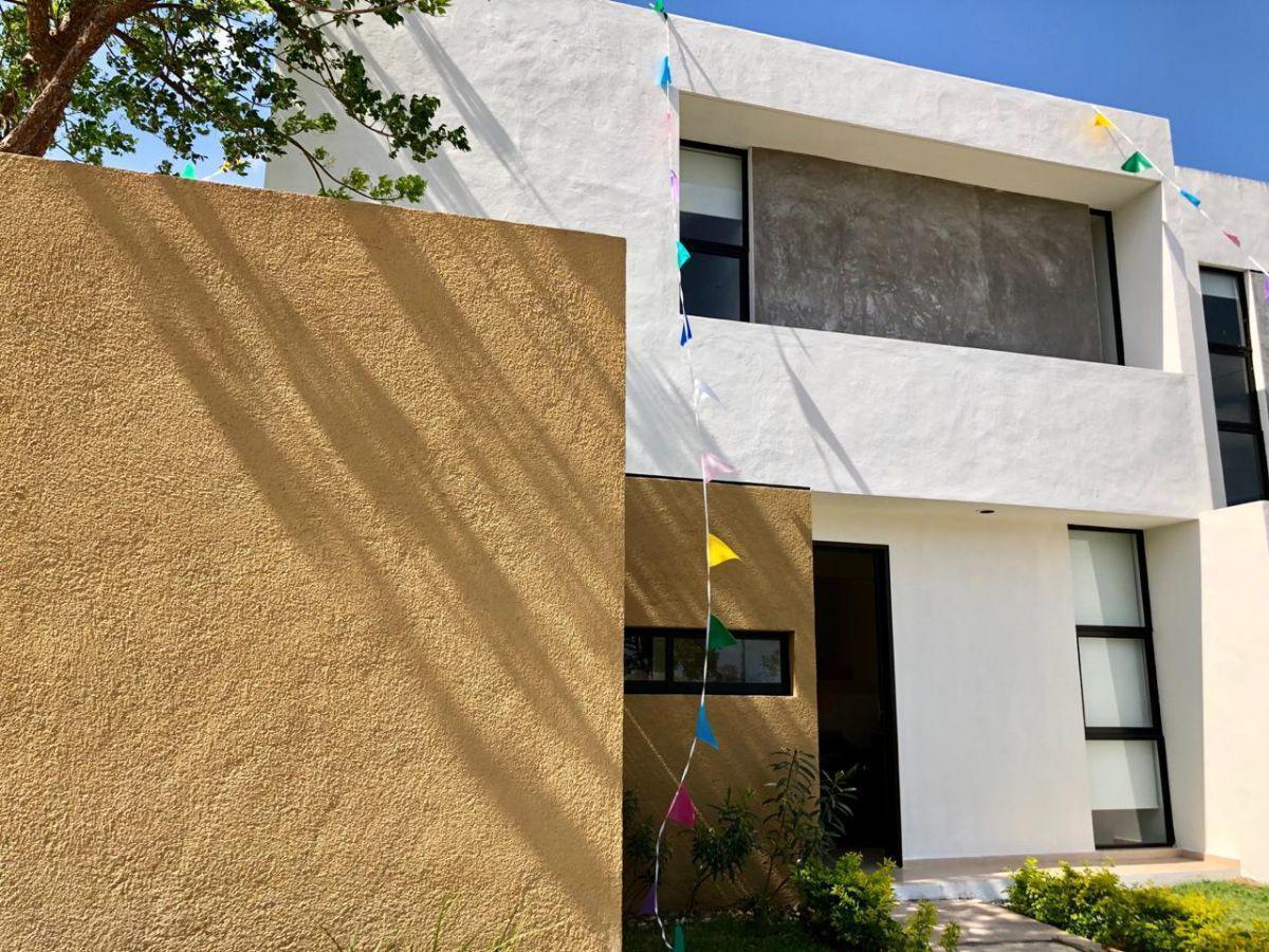 Foto Casa en Venta en  Fraccionamiento Real Montejo,  Mérida  Bella Casa nueva al Norponiente de Merida