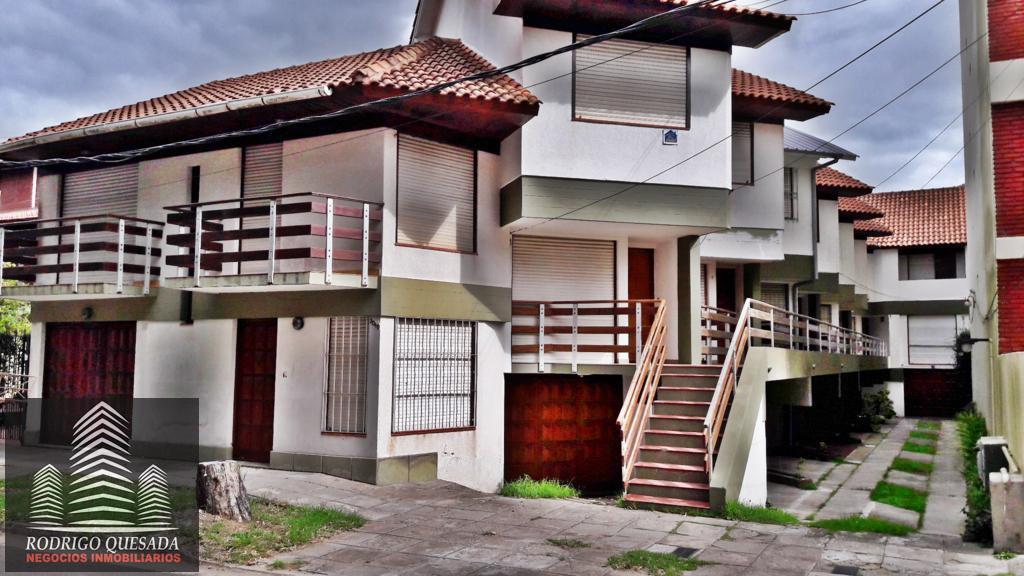 Foto PH en Venta en  San Bernardo Del Tuyu ,  Costa Atlantica  Duplex c/ cochera cubierta en zona residencial!!!