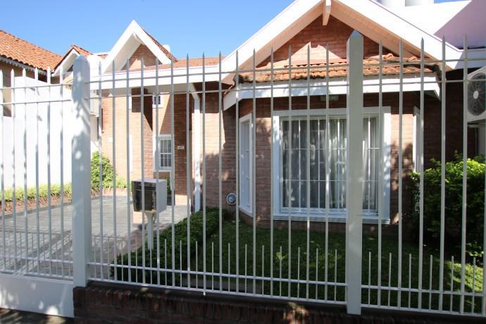 Foto Casa en Venta |  en  Mart.-Fleming/Panam.,  Martinez  FRERS al 800