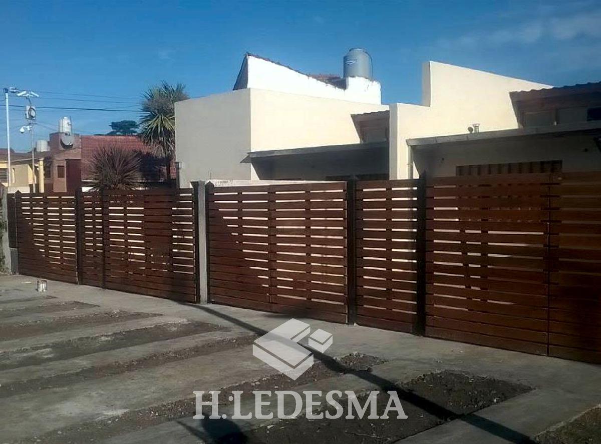 Foto Casa en Venta en  Caisamar,  Mar Del Plata  ACEVEDO 6600