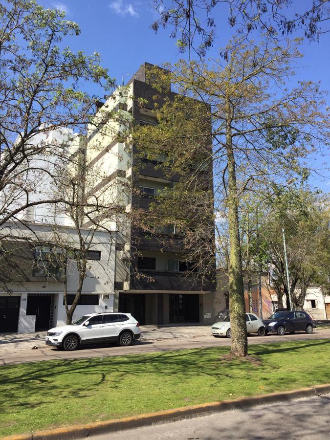 Foto Departamento en Alquiler en  La Plata,  La Plata  19 e/64 y 65