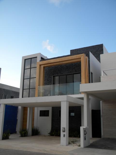 Foto Casa en Venta en  Aqua,  Cancún  Residencial Aqua Casa para Estrenar en Venta con Alberca  de 3 recámaras. Fase II. Supermanzana 330  Cancún. Quintana Roo